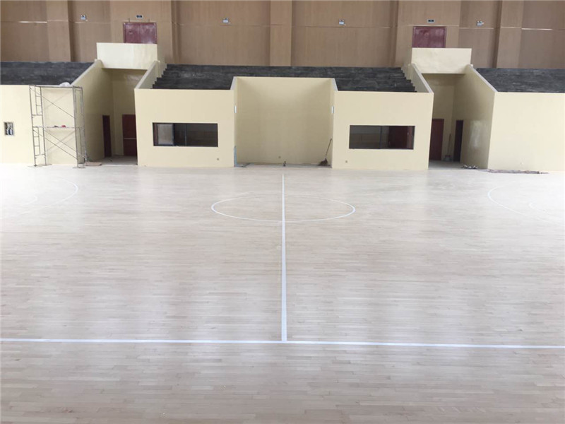 体育场馆木地板大约多少钱