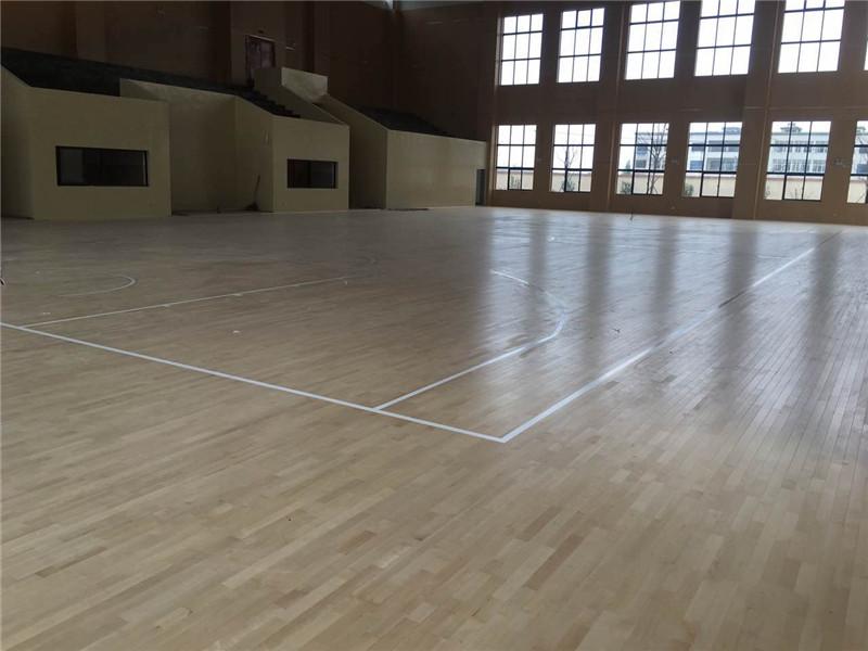 体育场馆木地板安装费用