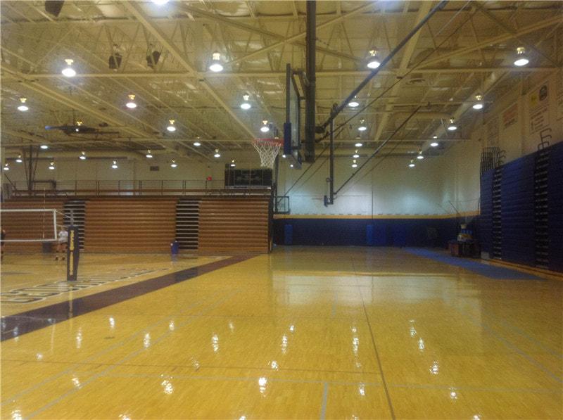 体育馆木地板多少钱能下来