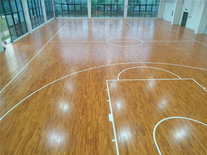 实木已成为体育馆地板的主流板材
