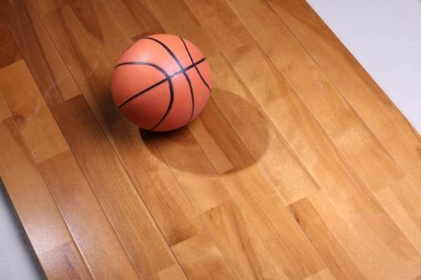 体育馆木地板施工价格