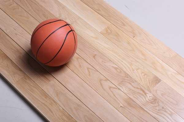 体育木地板每平方价格