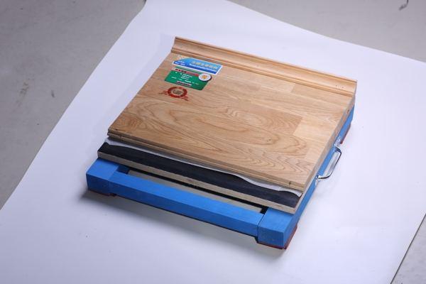 体育场木地板多少钱一平方米