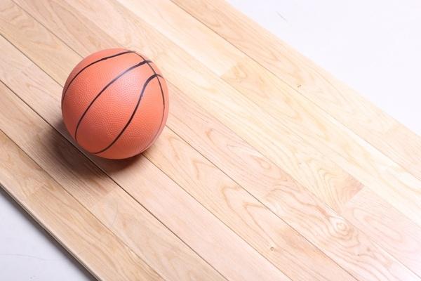 体育场馆木地板贵不贵