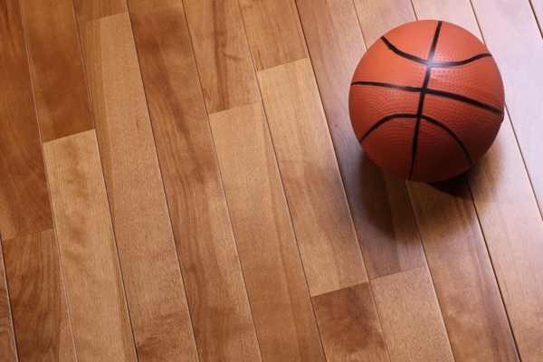 体育场馆木地板哪个便宜