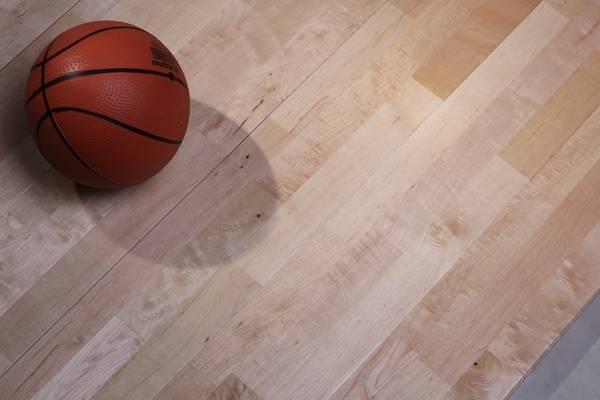 铺了运动木地板  要注意细节保护