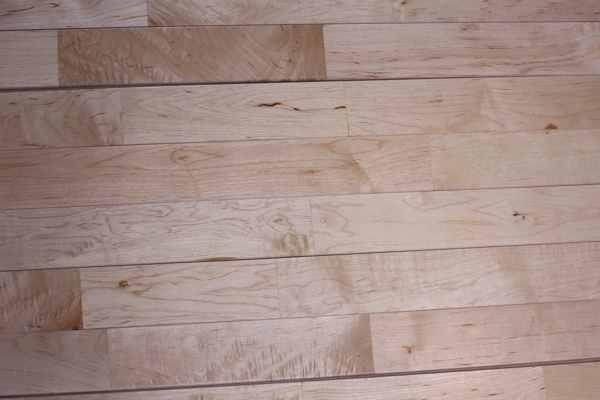 体育场木地板多少钱能下来