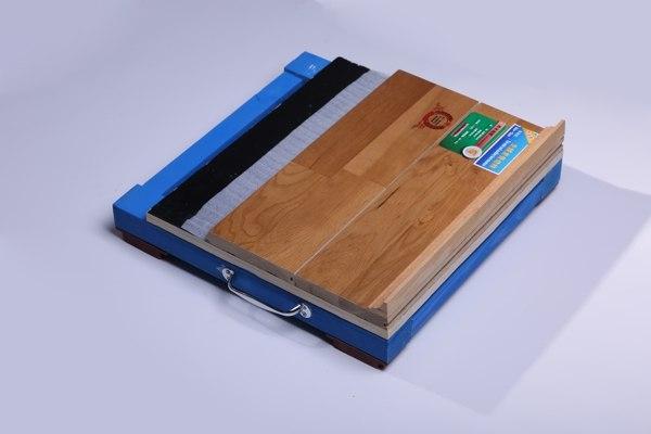 专业羽毛球馆选用A级硬木运动地板