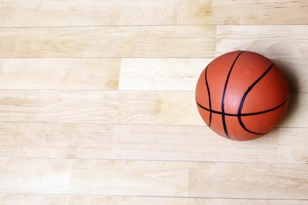 体育木地板更低价格
