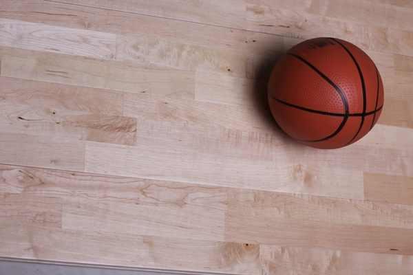 东兰篮球木地板不二之选